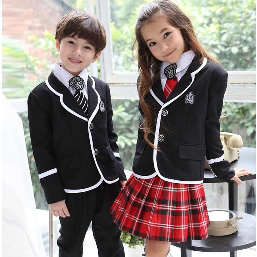 Volver a la escuela uniforme niño o niña contiene chaqueta