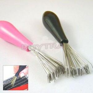 Image 1 - 1PCSใหม่ทนทานMiniหวีแปรงทำความสะอาดแปรงฝังเครื่องมือSalon Home Essentialสีแบบสุ่ม
