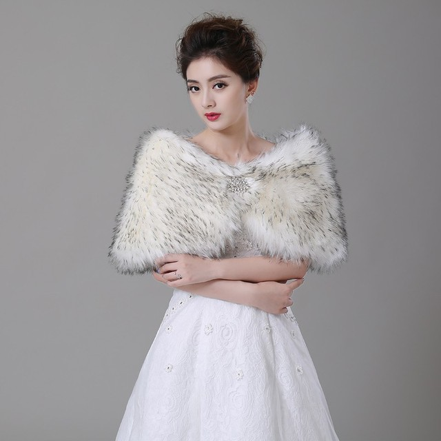 luxury Free Shipping Gray Tip Faux Fur Winter Sleeveless Bridal Wraps Warm Fur Boleros Bridal Cape Evening Coat Stole