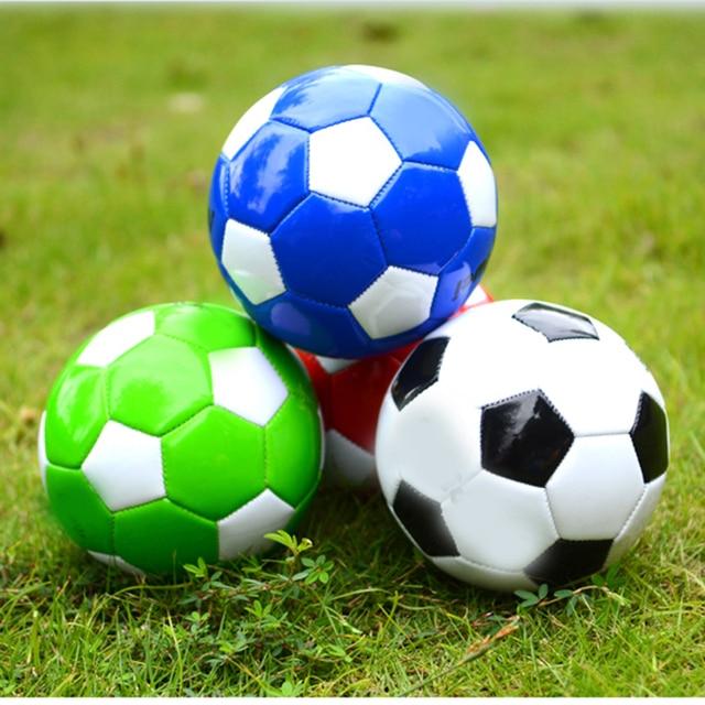 15 CM Clássico Tamanho Mini Bola De Futebol 2 Crianças Do Jardim de  Infância Brinquedos Ao 4c7c8fc785293