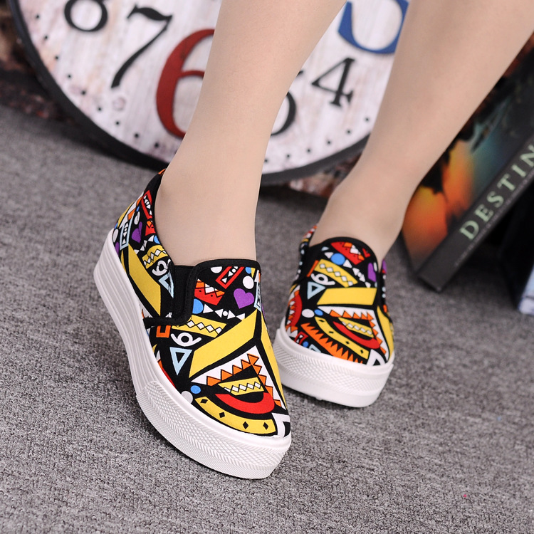 Canvas Shoes Women Girl 2016 New Footwear Female Slip On Platform Casual Shoes Flatform Autumn Graffiti Round Toe Loafers Flats (11)