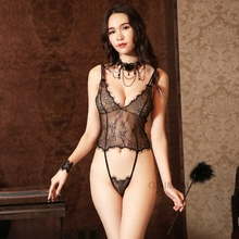 купить Sexy rompers backless sling sexy transparent lace pajamas v neck sexy rompers women jumpsuit по цене 492.28 рублей