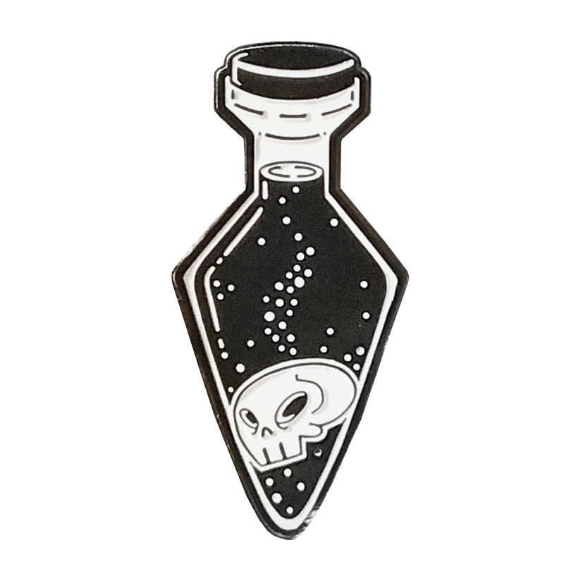 Tengkorak Di Botol Enamel Pin Lencana