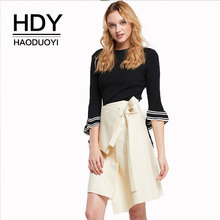 цена на HDY Haoduoyi Lady Color Block Knitting Sweater Trumpet Sleeve Crew Neck Streetwear Casual Autumn Tops For Women 2018 New Arrival