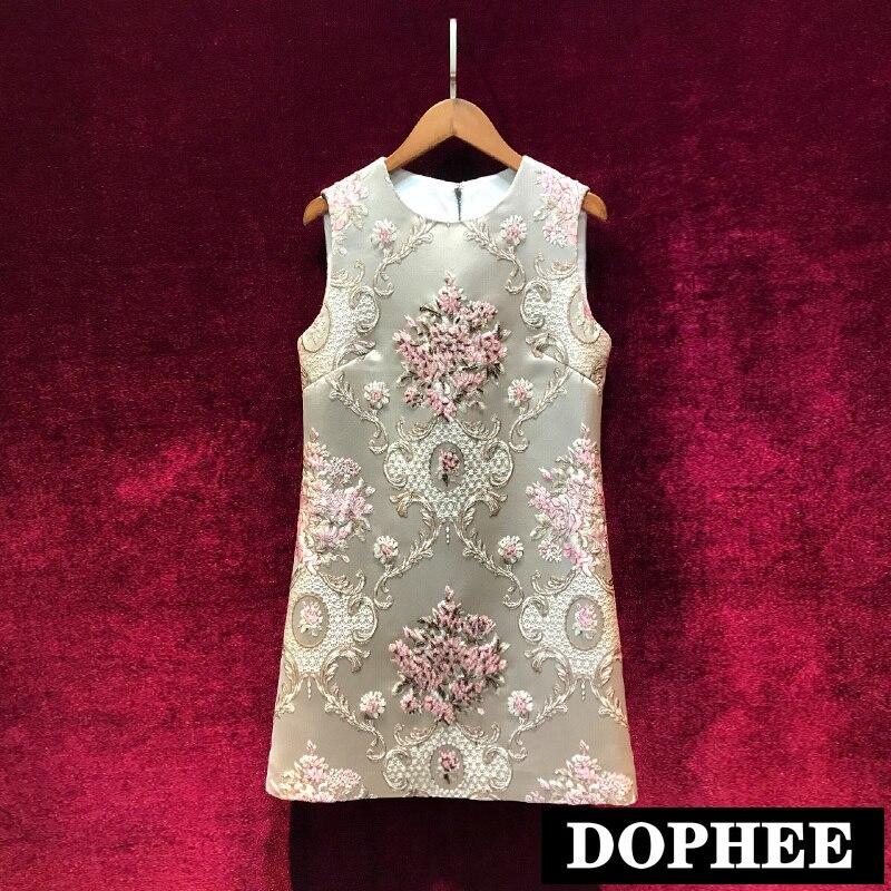 Nouveau printemps et été nouveau rétro Court Jacquard lourd perle Boutique gilet robe femmes col rond sans manches robe de réservoir