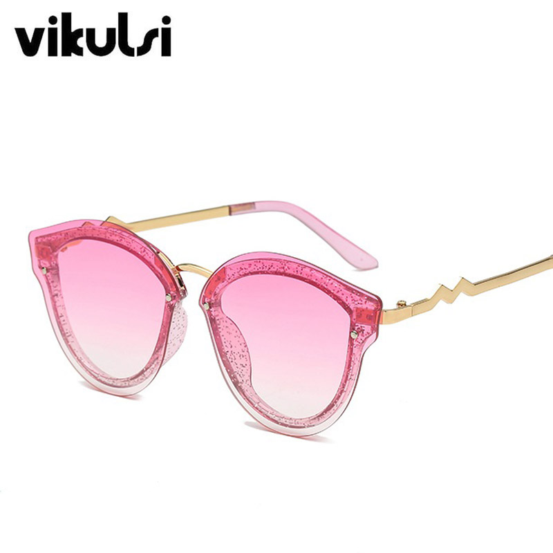 D704 C3 pink red