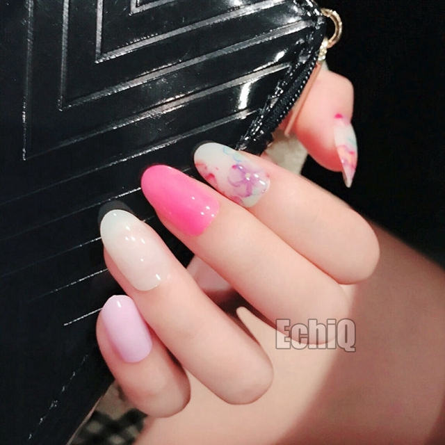 Simple Design Tips Artificial Nails White Pink Color Short Full