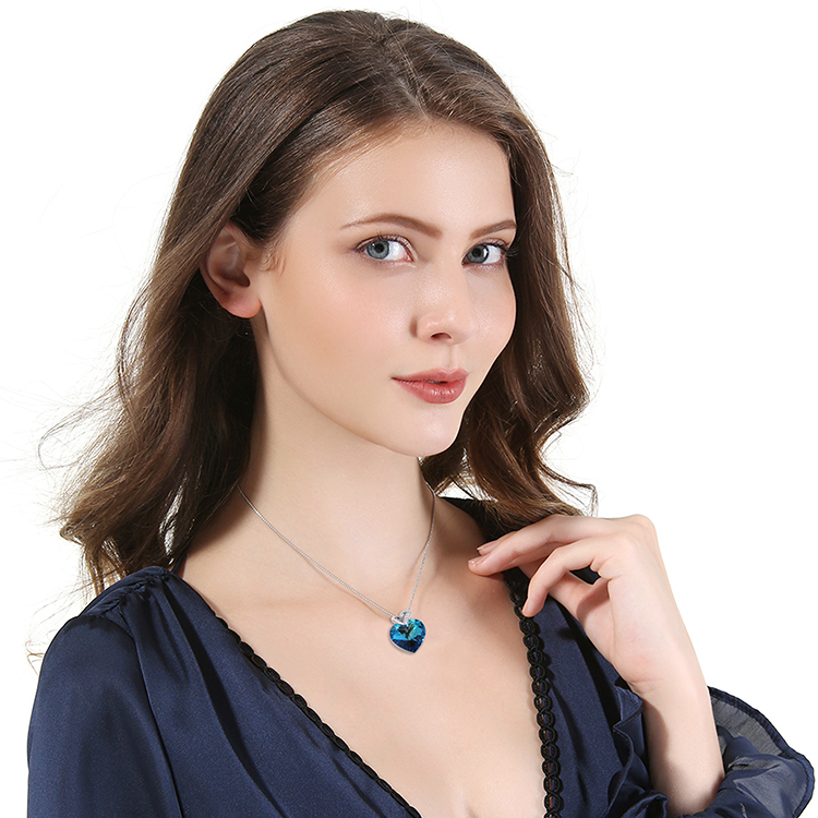 HTB1OGbcbECF3KVjSZJnq6znHFXad Warme Farben Crystal from Swarovski Women Necklace Fine Jewelry Blue Heart Crystal Pendant Necklace Valentine's day Gift