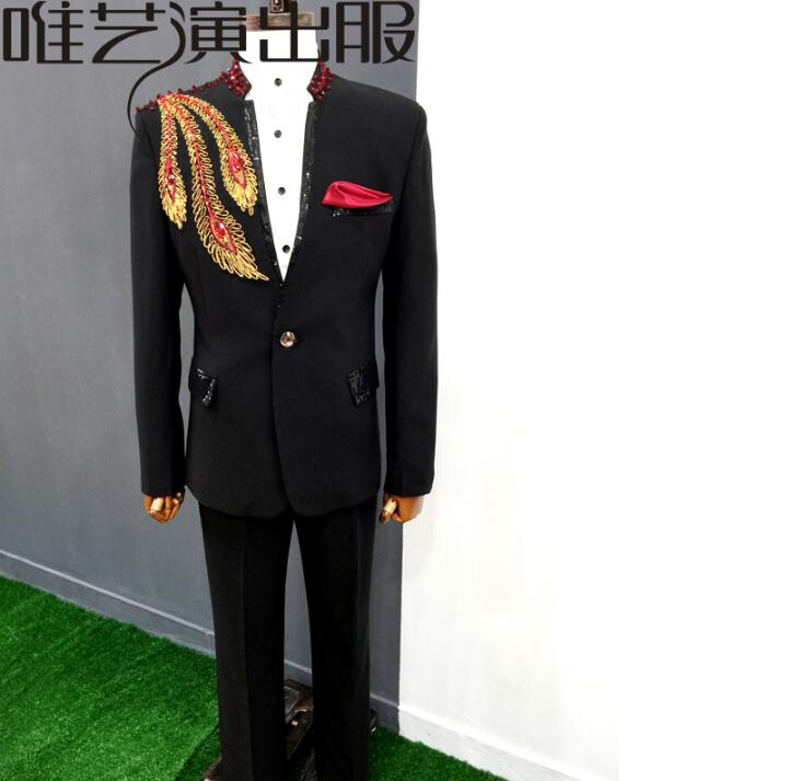 a7e59e6bcd US $126.4 20% OFF|Peacock tail sequins clothes men suits designs homme  terno stage costumes singers jacket men blazer dance star style dress  black-in ...