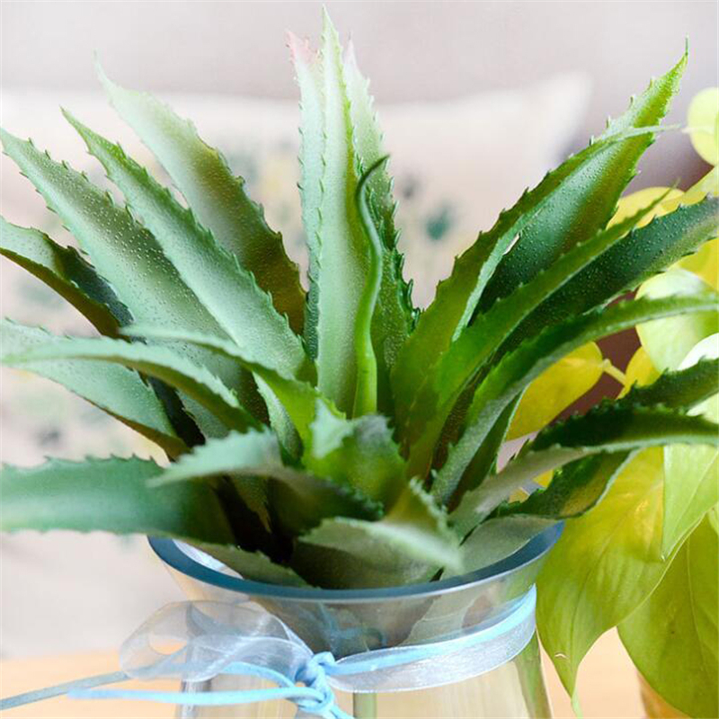 Lifelike Artificial Succulents Aloe vera plants Plastic Pineapple leaves Flower for home wedding