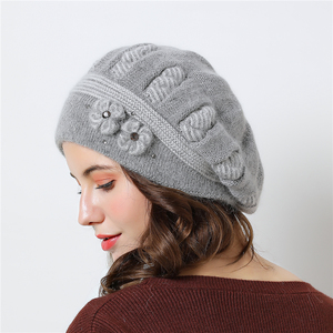 Image 3 - Podwójna warstwowa konstrukcja czapki zimowe dla kobiet berety kapelusz futra królika ciepłe czapki z dzianiny duże kwiatowe czapki czapki 2018 nowe czapki
