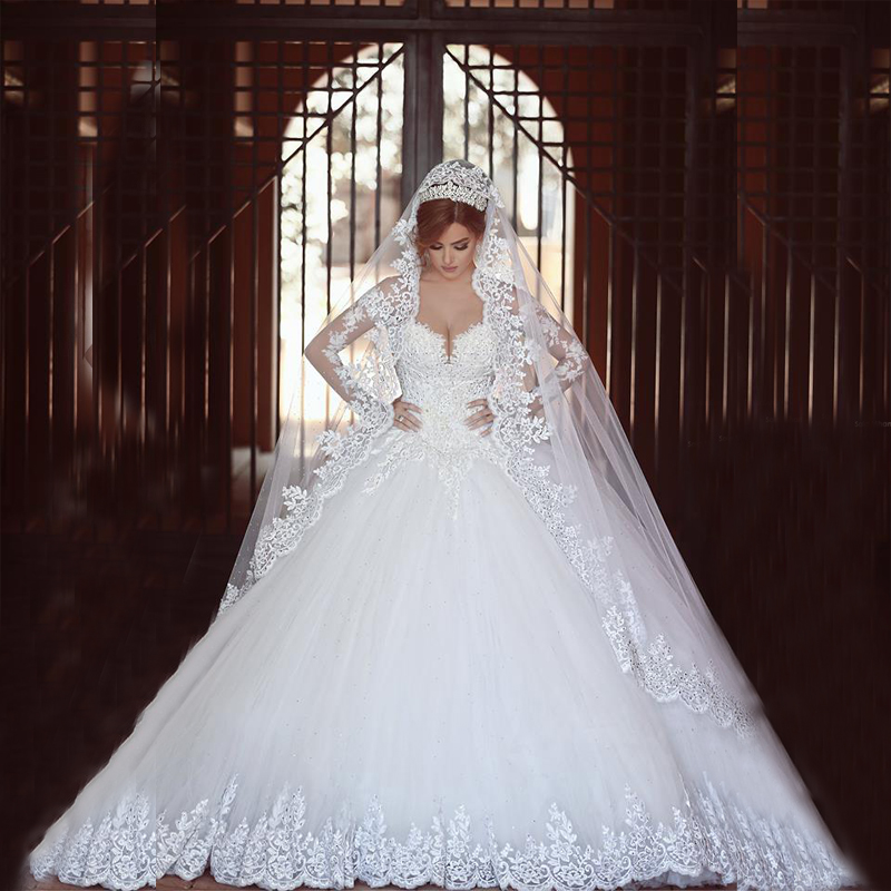 Gorgeous Long Sleeve Wedding Gowns Elegant White Lace Appliques Train Bridal Gowns Free Custom Made Formal Party Dresses