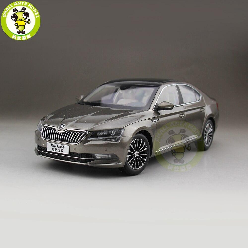 1/18 Skoda superbe modèle de voiture en métal moulé sous pression jouet fille garçon cadeau d'anniversaire couleur or