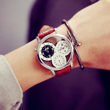 The new trend of the double movement character black and white double time round hollow out men's and women's watch