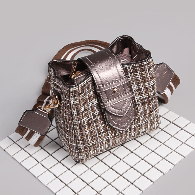 2019 shopping bag black and white grid Hand Woven Bag Satchel fashion female Summer Women 39 s Purse in Shoulder Bags from Luggage amp Bags