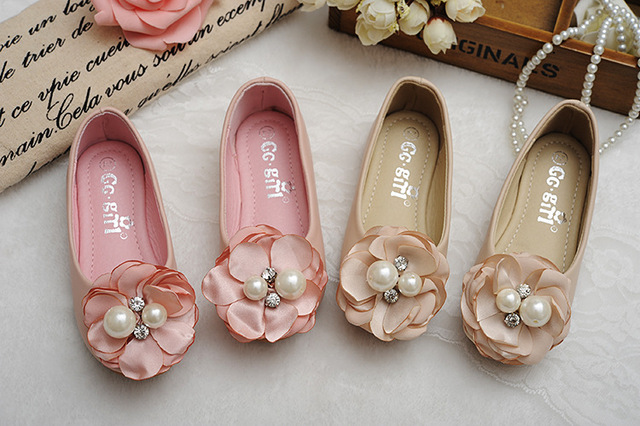 Free Shipping Crystal pearls petal flowers Princess Floral Spring shoes Kids Spring party sandals Shoes Girls clothing wear