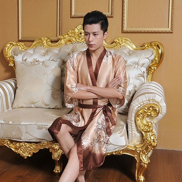 2016 años de moda de invierno macho azul noche vestido chino de satén de poliéster bordado robe kimono vestido dragón