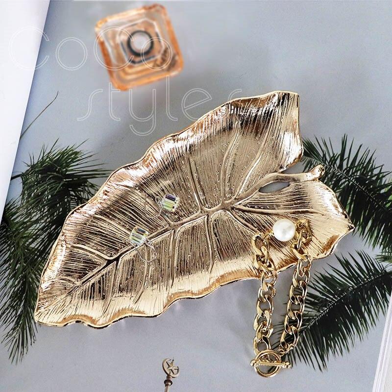 Cocostyles InsFashion jolie et bonne qualité en forme de feuille à la main en laiton bijoux plat pour style nordique décor à la maison et cadeau fille