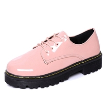 Pink Oxfords Shoes Woman 2016 Platform Creepers Patent Leather Flats Casual Lace-Up Loafers Round Toe Women Brogue Shoes XWD3491