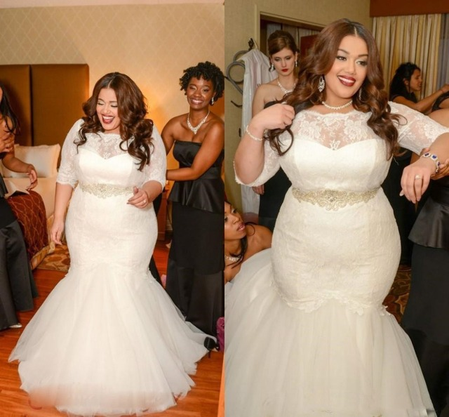 Robe de mariée style sirène avec ceintures, grande taille, perles, décolleté, demi manches, dos nu, avec applications, sur mesure