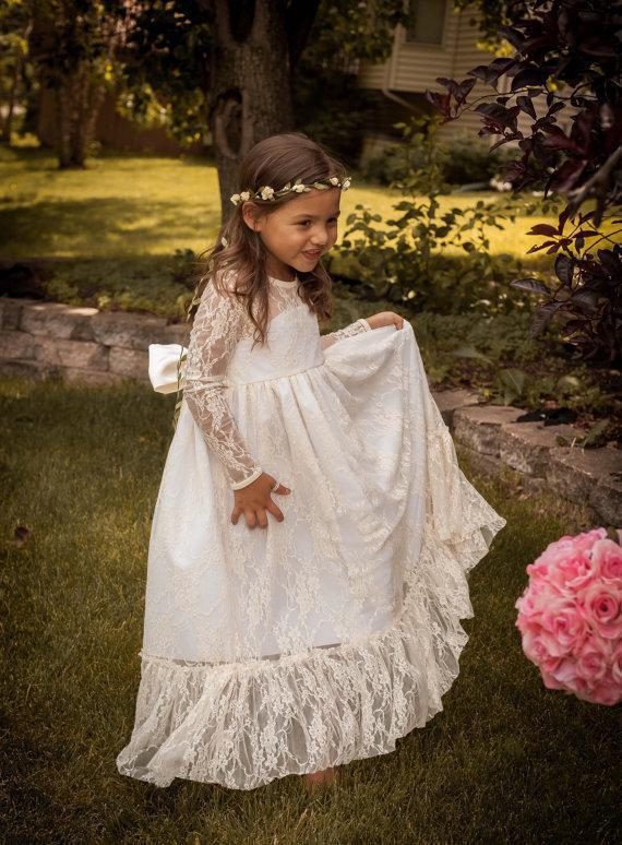 2019 Vintage PrincessLace   Flower     Girl     Dresses   Sheer Jewel Neck Long Sleeves Cute Floor Length Back Bow Cheap Hot Sale