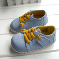 2017 omn cuero genuino de la marca zapatos de interior zapatos de bebé muchachas de los muchachos suaves antideslizantes zapatos de niño de moda de color azul claro primeros caminante