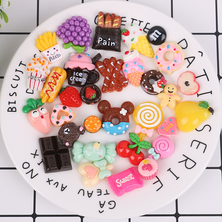 New 100pcs/lot Rement Miniature Pretend Toy Mini PLAY FOOD Cake Biscuit Candy For Blyth BJD Dolls Accessories For Barbie