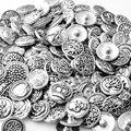 50 unids/lote 0793 venta caliente metal diferente differend color diseño de botón a presión de color mezclado Al Azar