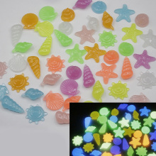 20PCS Simulated Cobblestones Marine Animal Pieces Fluorescence Acrylic Irregular Stone For Glow in the Dark Toys