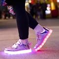 Niños Zapatillas de deporte de Moda Niños Zapatos Luminosos LED de Carga USB 2016 NUEVOS Muchachos de Las Muchachas Coloridas Luces Intermitentes de Zapatos de Oro Y Plata