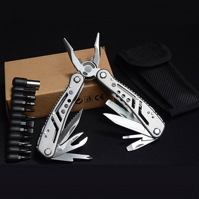 MultiTool Pliers With Kits Hunting Camping Fishing Tools Pocket Tool Plier Professional Outdoor Tool Supplier