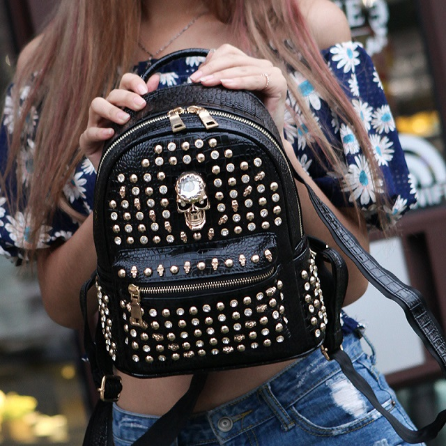 Personality Skull Backpack Rivets Skull Backpack With Hood Cap Apparel Bag Women Cross Bags Women Small Backpack