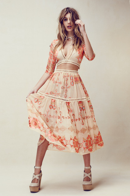 Women love barcelona style plunging neckline sexy printed cropped top shirts + pleated midi skirt  boho bench holiday skirt set