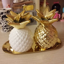 Export Europe gold pineapple ceramic decorative piggy bank storage jar Decoration good quality 2 color