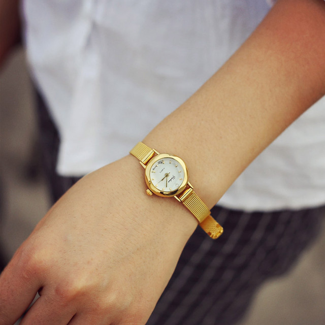 2018 fashion casual watches Women Quartz Analog Wristwatch Lady Female Golden Me