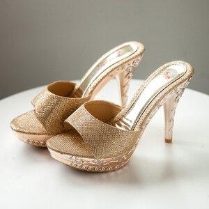 Image 4 - 2019夏の女性pvcクリスタル高薄ハイヒール11.5センチメートルミュールプラットフォーム外の女性のスリッパセクシーな女性の靴のサンダル
