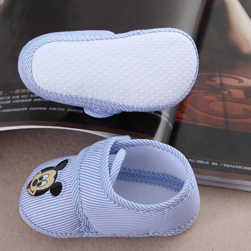 Heart-Shaped Print Baby Shoes