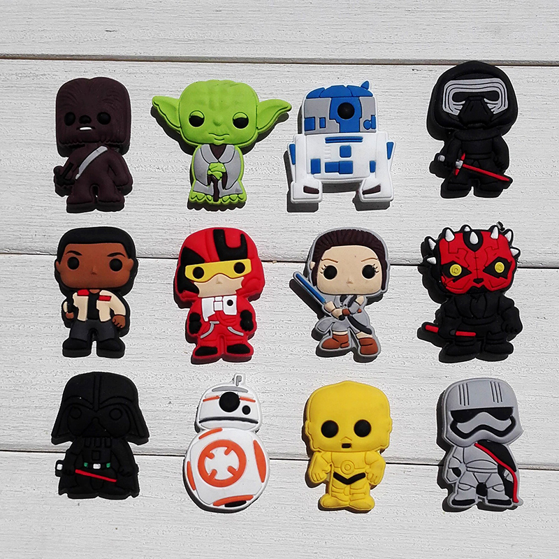 цена 1pcs Star Wars 2 Shoe Charms PVC Shoes Accessories Shoes Decoration Small Ornaments or Gifts for Party Shoe Buckles в интернет-магазинах