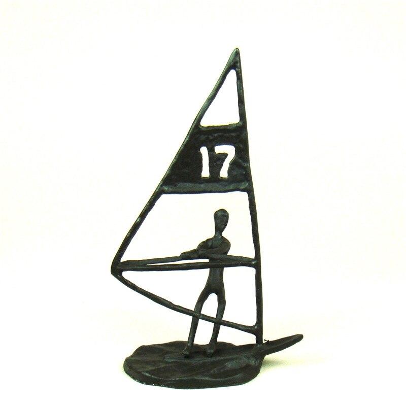 Statue de surf abstraite en fonte faite à la main en métal Sports nautiques extrêmes Figurine nouveauté décor Souvenir Art et artisanat ornement