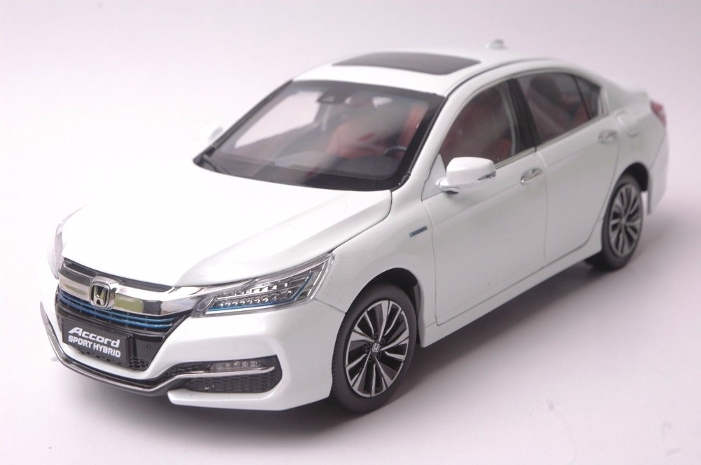 1:18 Diecast Model for Honda Accord 10 Sport Hybrid 2016 White Alloy Toy Car Miniature Collection Gifts MK10 10th Generation 1 43 diecast model for honda civic 2016 mk10 white alloy toy car miniature collection gifts