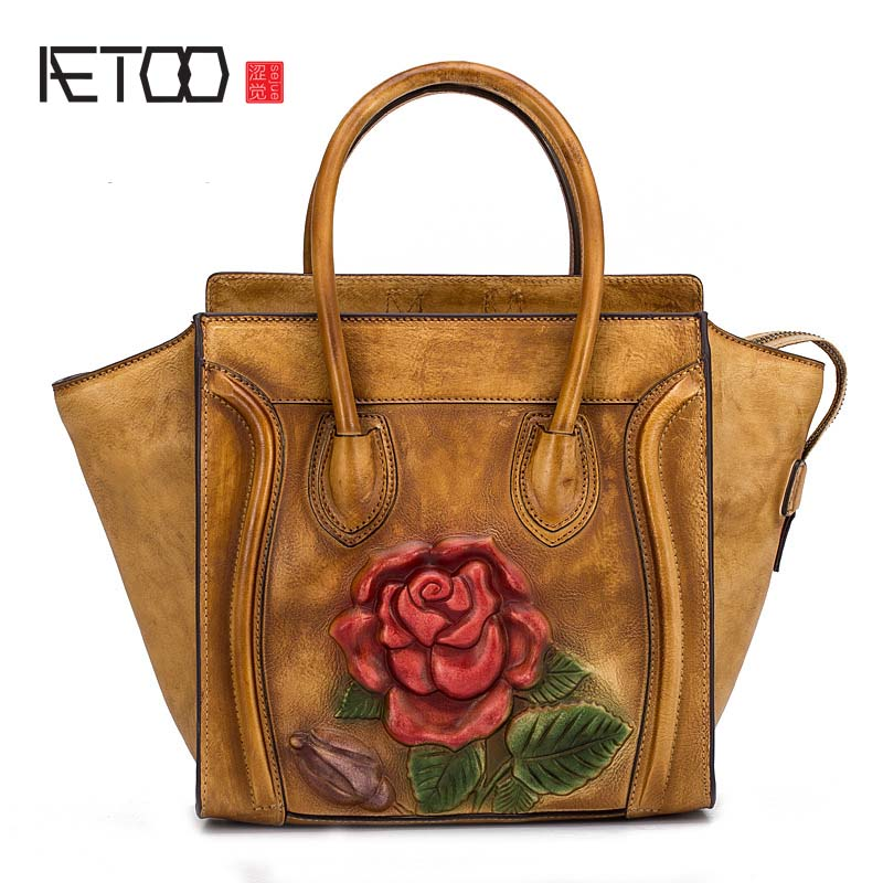 AETOO 2018 New 3D Embossed Fashion Ms. Portable Messenger Bag Hand-wiping color Trend National style rose handbag women bag