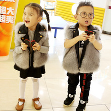 Одежда для маленьких девочек/жилет из искусственного меха с кожаным воротником/Рождественская Оливия/доступны красные цвета