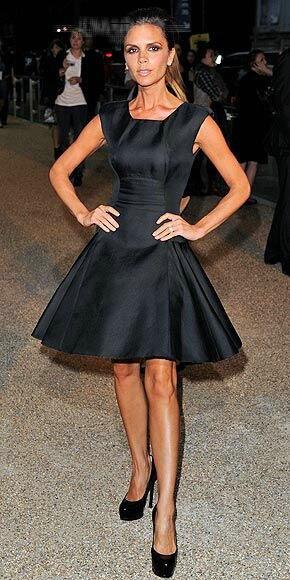 SZ473 Victoria Beckham Elegant Black A-Line Celebrity Dresses Sexy  Sleeveless Above Knee Pleat Short Prom Dresses vestidos d129c757457d