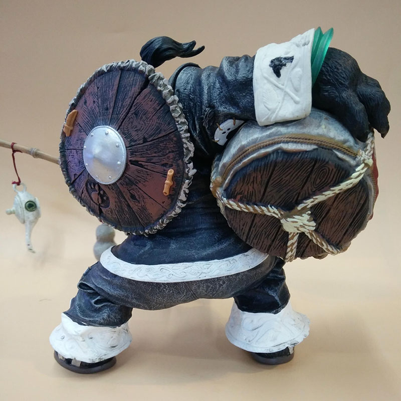 20CM Chen Stormstout Action Figure 1/8 Anime Game World of War WOW The Pandaren anime figurines model toys for children Gift 2