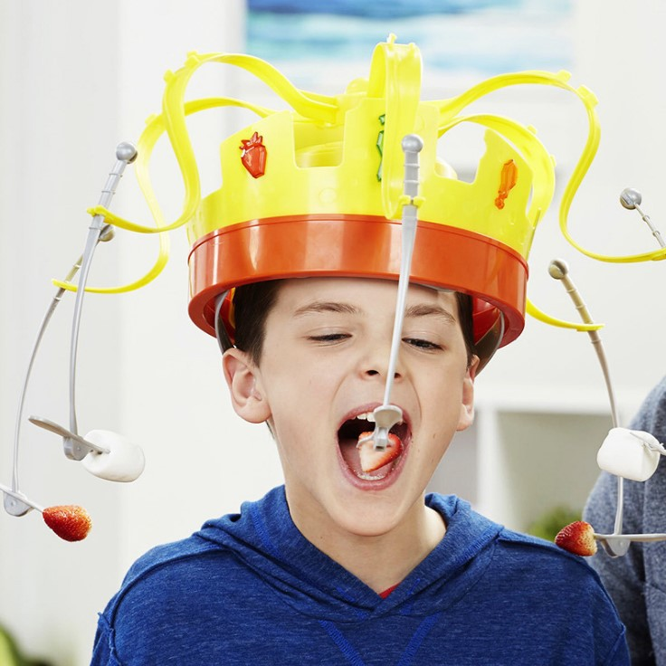 2019 Toy Kids Family Novel Chow Crown Game Musical Spinning Crown Snacks Food Party Toy Child Funny Family Top Gift