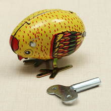 Wind Up Yellow Chick Tin Classic Toy Clockwork Spring Pecking Chick Style Metal Toys Collection Adult Decoration Children Kids classic mini clockwork animal cock chick children wind up kids educatinal high imitation chick toys wind up toy