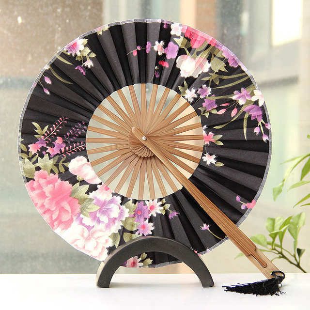 e227431dc Hot SALE Chinese New Summer Style Ladies Folding Silk Fan Circular Folding  Fan Gift For Decoration Favor Outdoor Wedding Party.