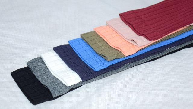 Off-the-shoulder long sleeve solid shirt