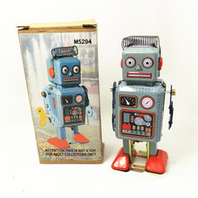 1pc Vintage Metal Mechanical Clockwork Walking Robot Tinplate Classic Nostalgic retro Toys Child Gift Can do collection