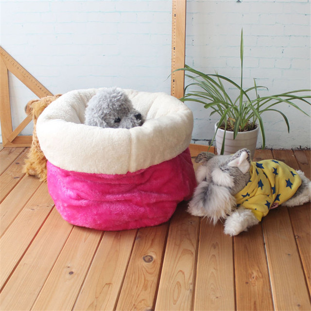 Cute pet Sleeping Bag Warm Soft Dog Cat Litter Bed Pet House Lovely Puppy Nest Mat Cushion Small Dogs Bed Chihuahua Teddy Kennel